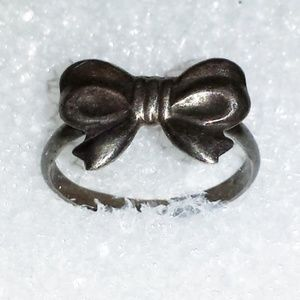 Highly Oxidized Vintage Bow Sterling Ring Size 8 L